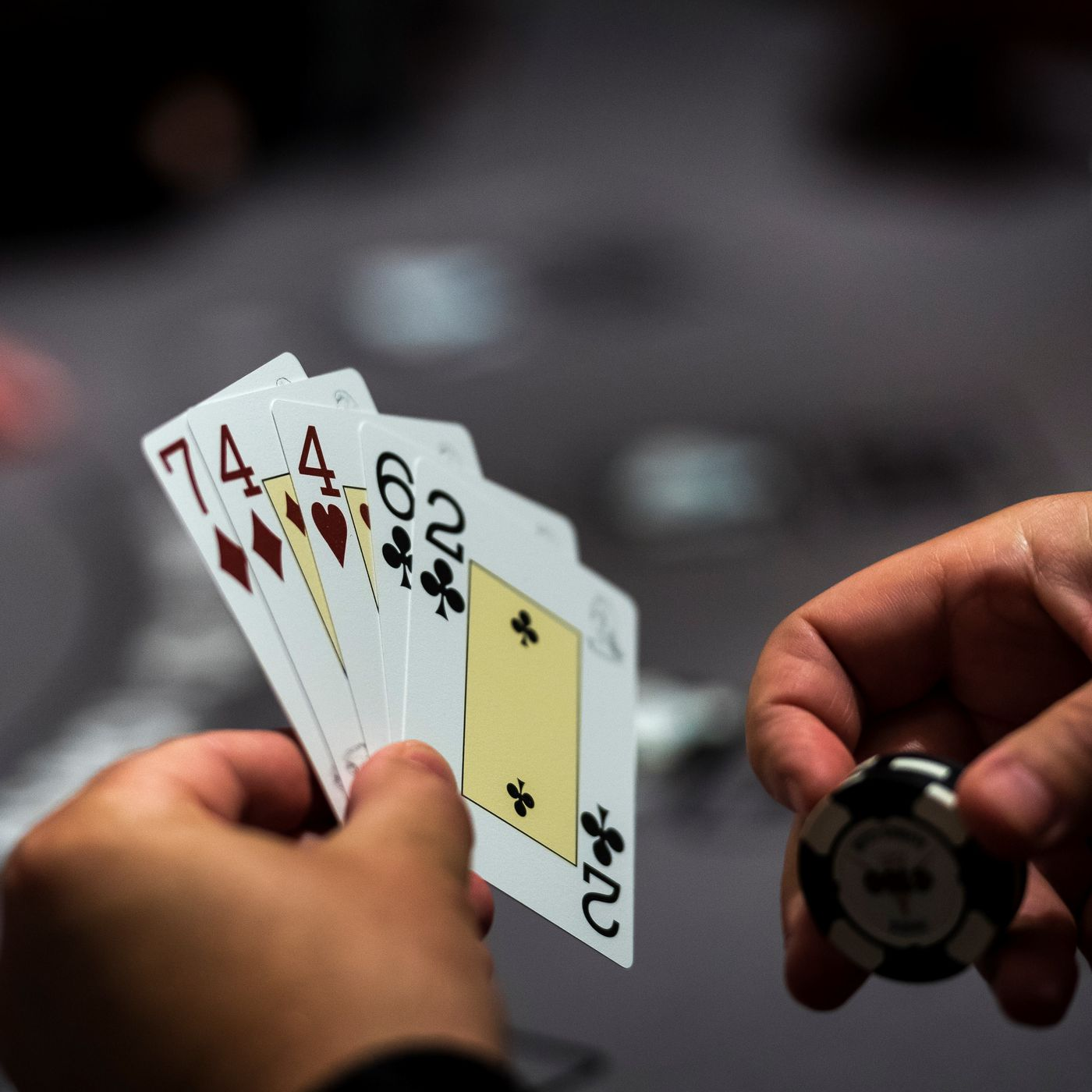 How to take earliest actions worldwide of web-based poker1001?