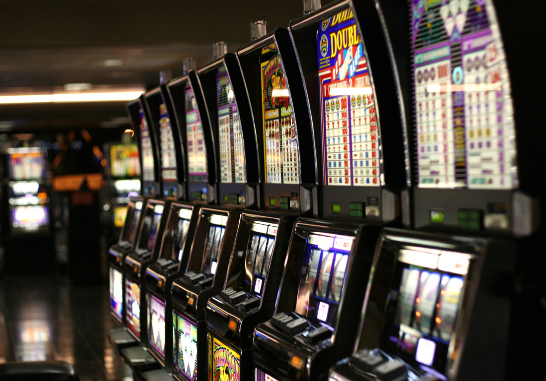 6 Rules About Gambling Meant To Be Damaged